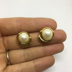 Stud earrings Pearl and gold retro 80s